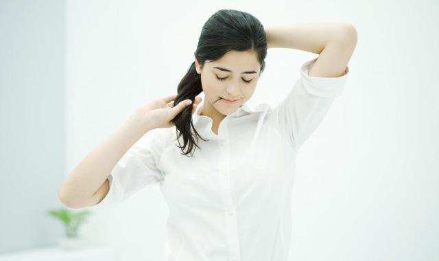 什么裤子搭配白色衬衫,白色衬衫搭配裤子方法