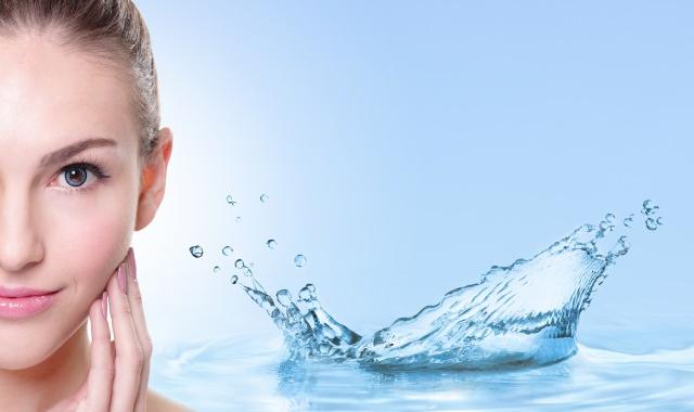 爽肤水用完要洗脸爽肤水正确使用方法  爽肤水用完要洗脸刷牙洗脸