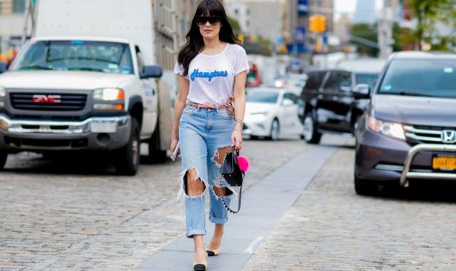 高腰牛仔裤搭配上衣女 高腰牛仔裤怎么搭配好看