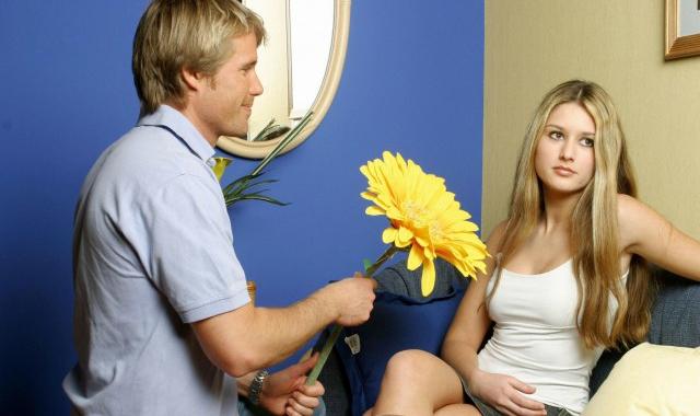 怎么哄女朋友开心 哄女朋友开心方法