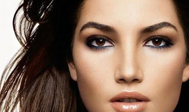 眼睛很干涩怎么办_眼睛起了一粒疤怎么办 这些方法很有效_伊秀美容网|yxlady.com